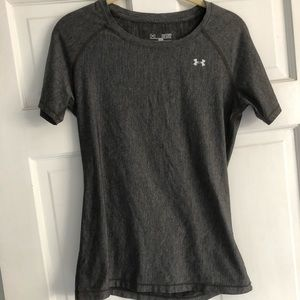 Under armour workout shirt dry fit